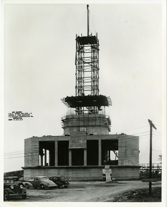 Twin steel towers used for Monument construction, March 23, 1937.  Courtesy of W. S. Bellows Construction Corp.